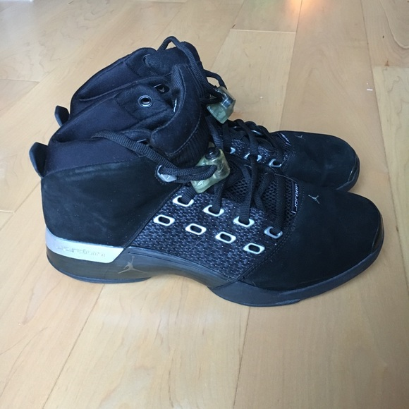 b2c907ae0bff Jordan Other - Air Jordan 17 Retro – OG Black   Metallic Silver